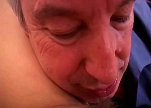 Geile lange incest porno film van vader en dochter