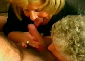2 Incest omas trekken de geile snikkel van kleinzoon leeg
