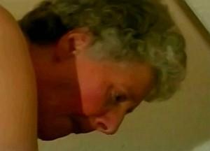 Oma anaal geneukt door kleinzoon zijn leuter